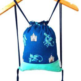 mochila cordon ajustable dragón castillo