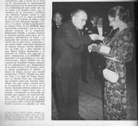 1971- Federico Sopena. Comisario General de la Música en España. Entrega de galardones al Ballet del Liceu