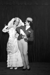 1966-11-26-MAZURCA de los paraguas-sala Lubov Tchernicheva(estudi Magriñá)-Asunc. Aguadé, Alfons Rovira