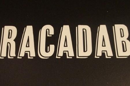 het woord abracadabra