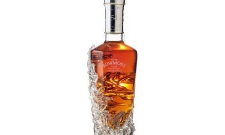 Bowmore consigue subastar botella por 100.000 Libras
