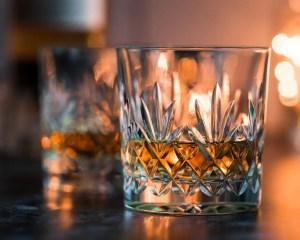 La nueva marca de whisky se llama Billy & Co.