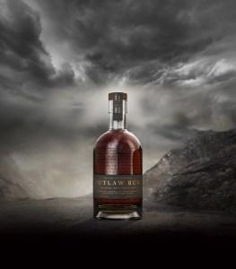 Outlaw Rum es envejecido a la perfección
