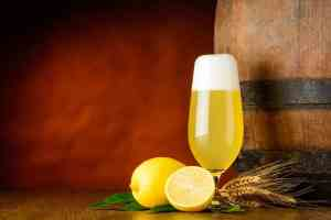 Pika: una cerveza tradicional con limón natural exprimido 1