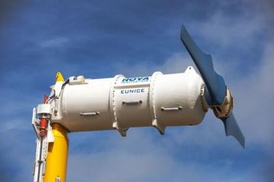 Electricidad renovable generada por turbinas de marea submarinas