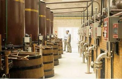 destilación de la ginebra
