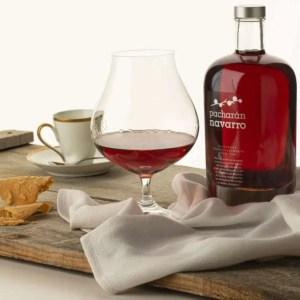 El licor de pacharán está ligado a Navarra, a su historia y a sus tradiciones 1