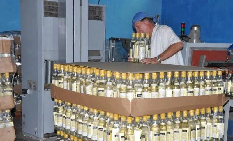 Grupo Azcuba: «14 millones de litros de ron por año»