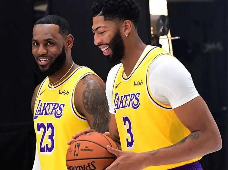 Lakers firman acuerdo por 100 millones con nuevo patrocinador