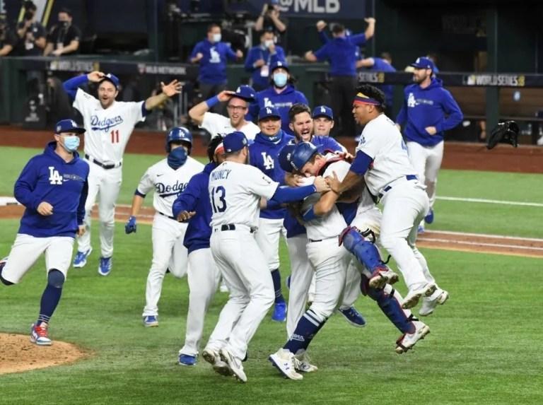 En la pelota   Con presupuesto de Dodgers, los Rays podrían pagar 4 equipos