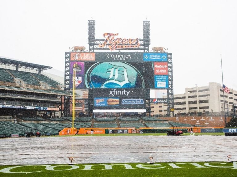 Postponed meeting between Tigers and Pirates after snowfall