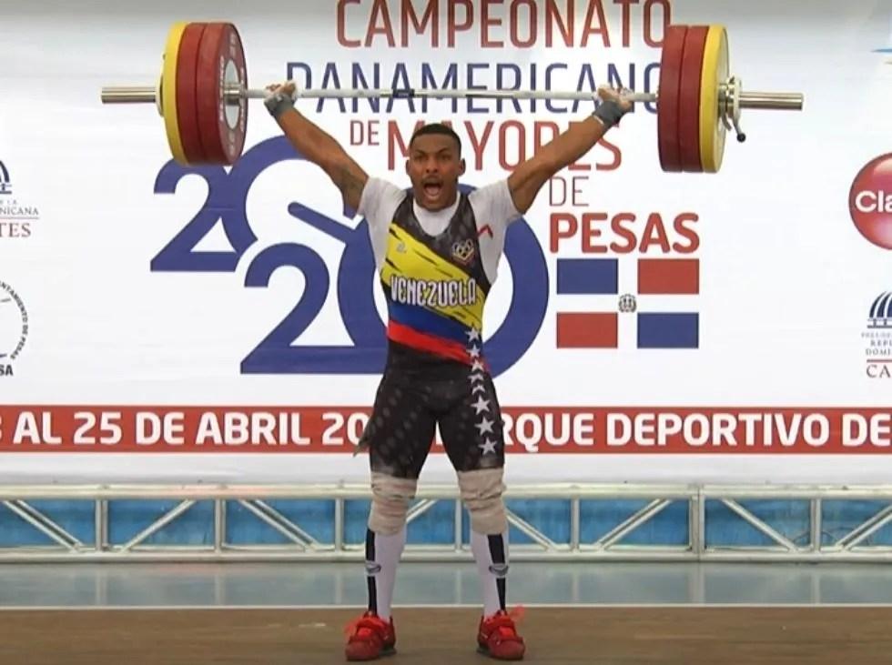 Julio Mayora establece nuevo récord panamericano
