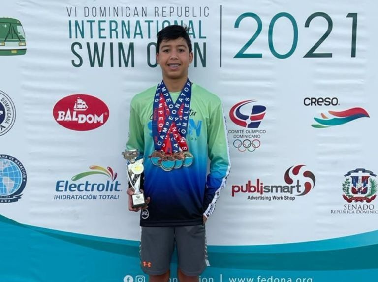 Manuel Díaz swept the International Swimming Open in the Dominican Republic