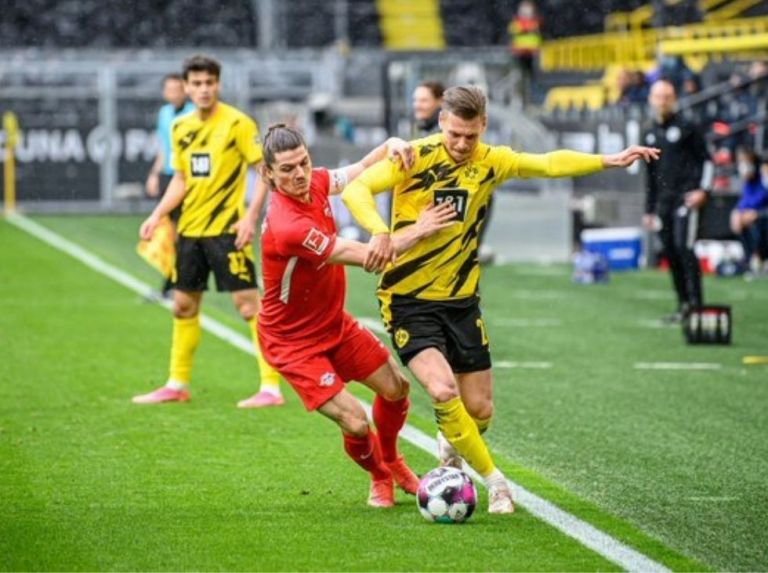 Dortmund make Bayern champions by defeating Leipzig