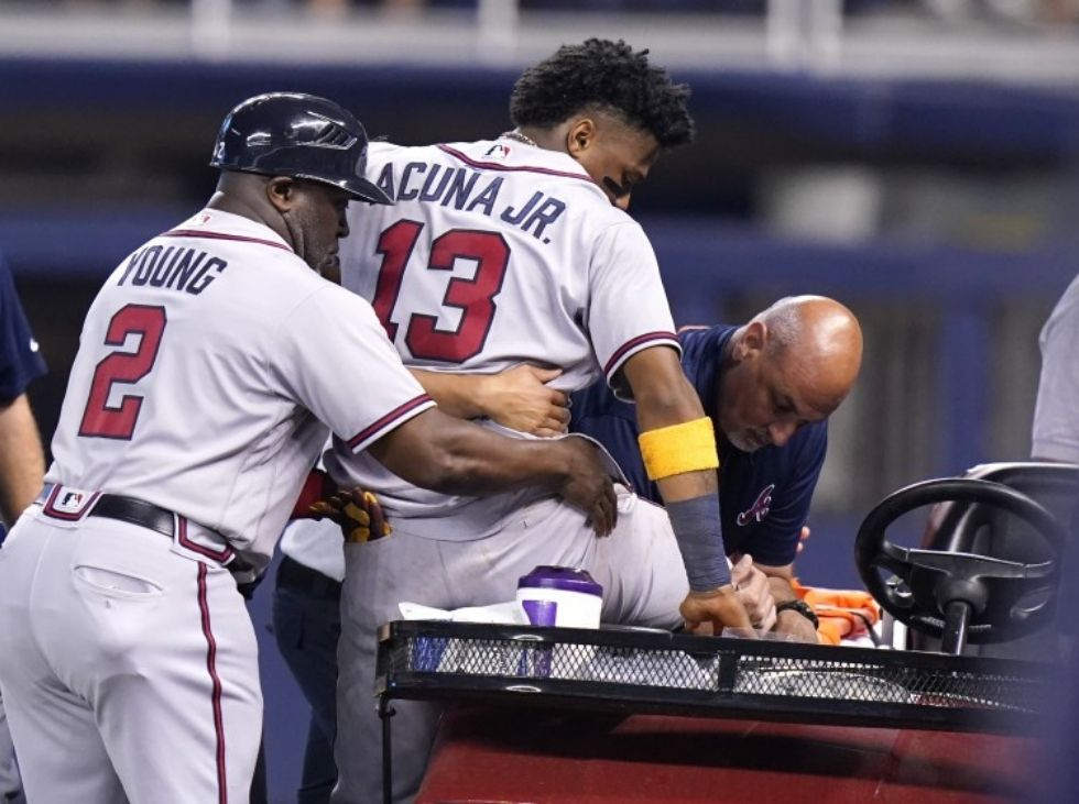 Acuña was operated on his right knee