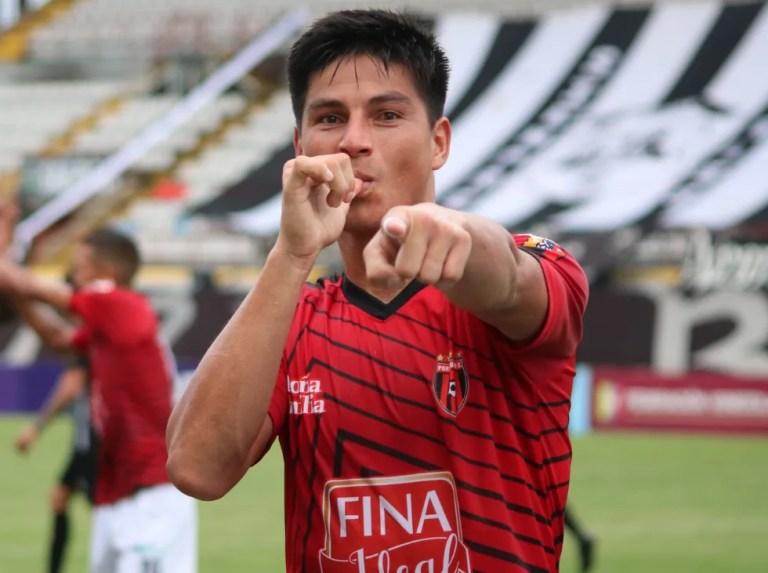 Adrián Fernández lidera los goles de la Liga Futve