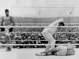 Left Hook | WBA endorsed its first title fight a century ago