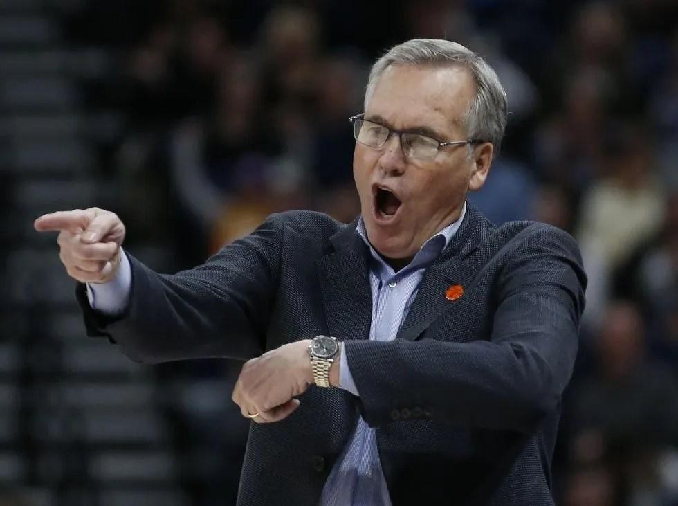 Mike D'Antoni abandona el banquillo de los Nets