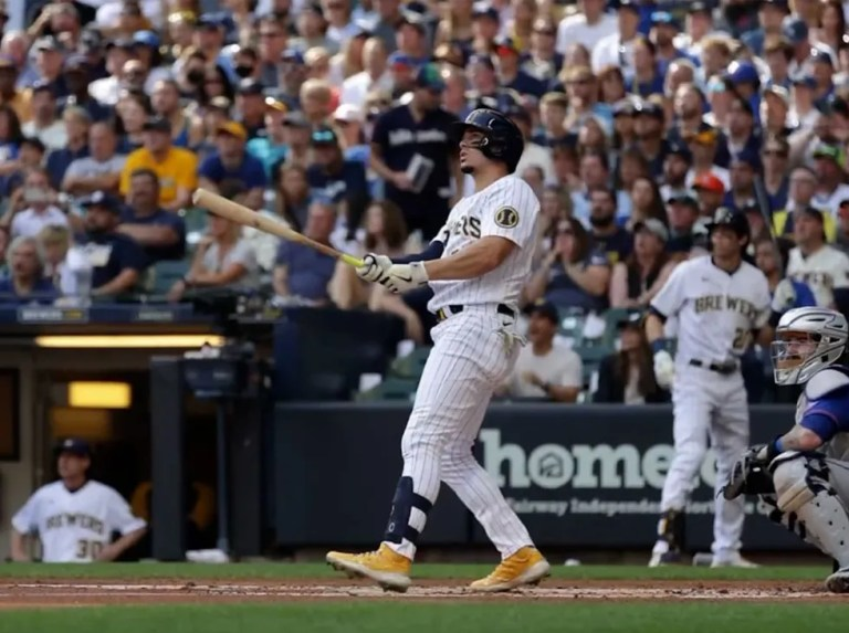 Adames produced trio of streaks in Milwaukee divisional championship