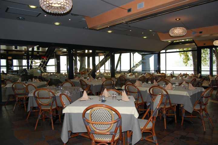 Il locale ristorante e pizzeria sul Lago dIseo  Lido