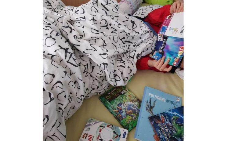 Während er sich wieder ins Bett verzogen hat und liest und liest und liest...mache ich mich auf den Weg ins Lädeli.