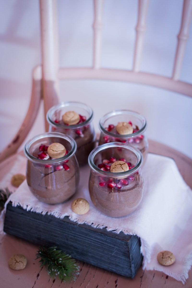 Weihnachtliches Dessert im Glas: Cremige Schoko-Creme