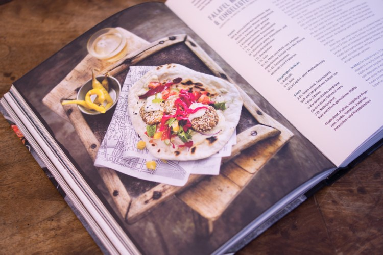 Falafel mit Zitronen-Tahin & eingelegtem Rotkohl
