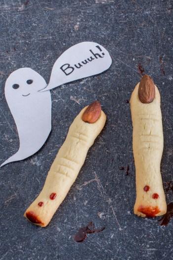 Halloween Kekse: Hexenfinger mit essbarem Kunstblut