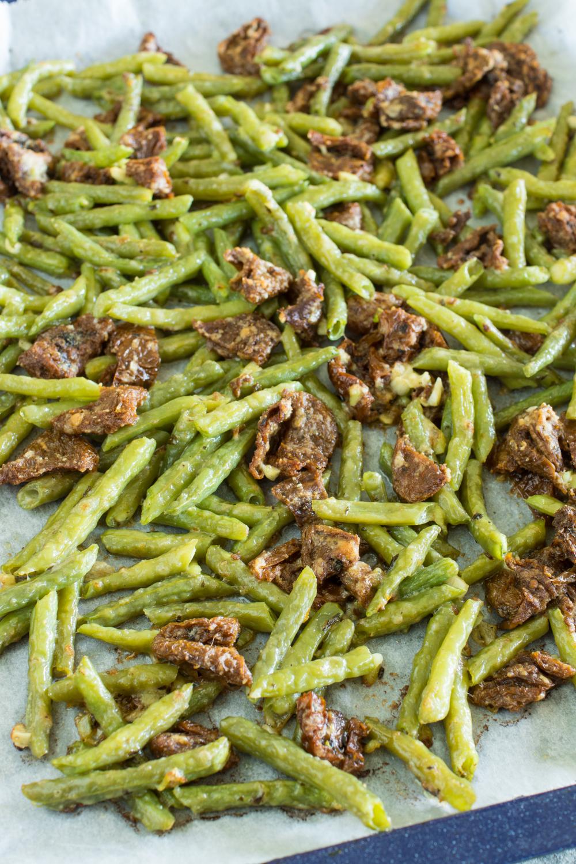 Mediterrane Buschbohnen vom Blech | Gekochte Bohnen gekonnt aufpeppen mit diesem Rezept! So lecker!