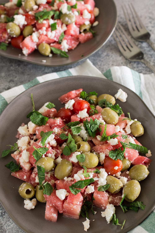 Mediterraner Melonensalat mit Feta | In 10 Minuten fertig!