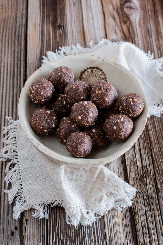 Lebkuchen-Trüffel ohne raffinierten Zucker: in 15 Minuten fertig!
