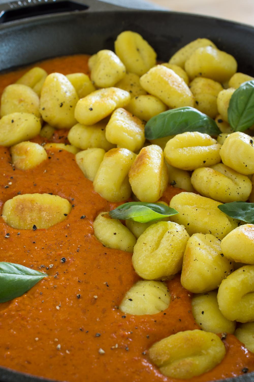 Vegane Paprikasauce mit Gnocchi - Schnell gemacht und richtig lecker