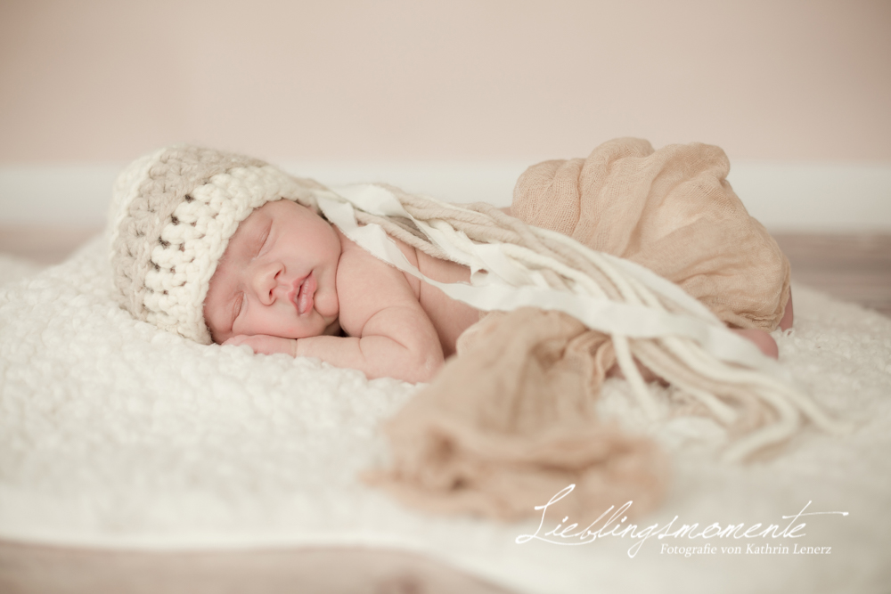 Neugeborenenshooting in Langenfeld  Lieblingsmomente