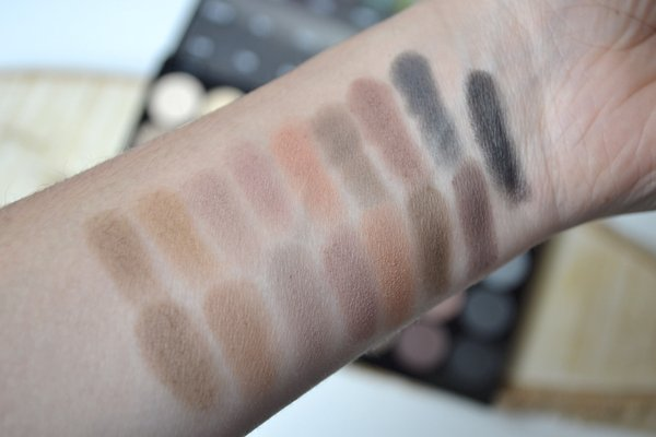 swatch eyeshadow