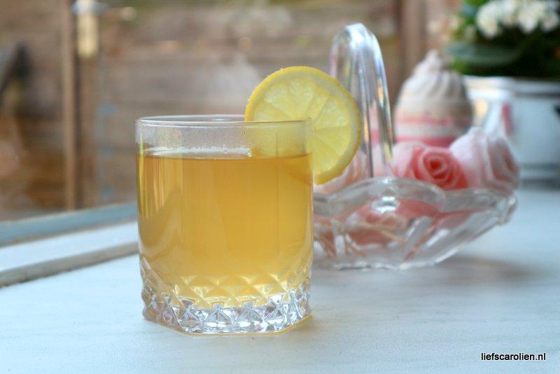 Zelf vlierbloesemsiroop maken - Helpt tegen griep/verkoudheid!