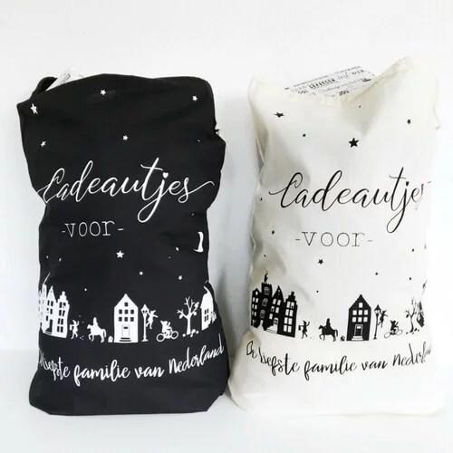 Sinterklaas zakken zwart wit