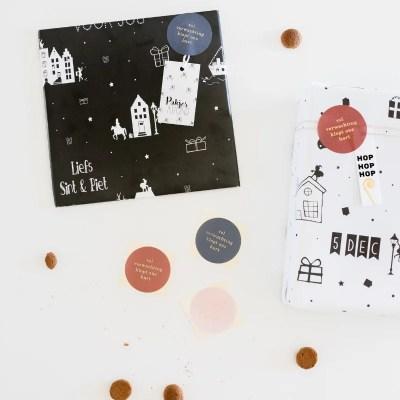 Sinterklaas stickers inpakken