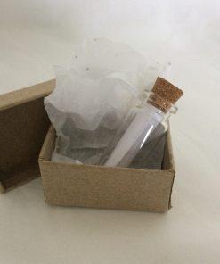 Mini glazen flesje, symboliek, herinneringen, lieve woorden, liefsvanlauren.nl