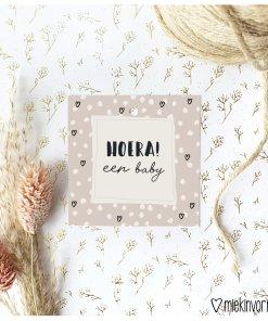 cadeau label hoera een baby, mini kaartje, miekinvorm, hartjes en stipjes, liefsvanlauren.nl