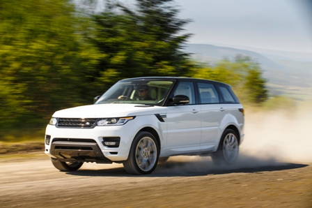 2014-Range-Rover-Sport-front-three-quarter-in-motion-02