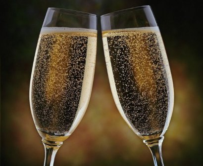 11049866-champanhe