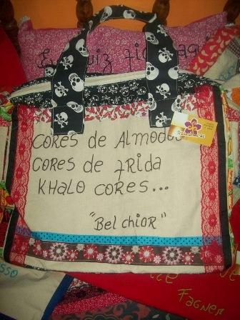 Bolsa da Coleção Poemas produzida por reeducandas do Projeto Transforme-se-Cosern