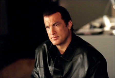 Steven-Seagal-Protects-Border-600x408