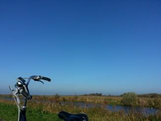 fietsen,vrijheid,lummelen,tweets,mail,zon,wind,weilanden
