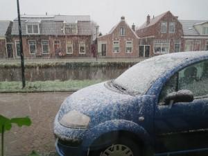 sneeuw,januari2015,Gorredijk,postbode