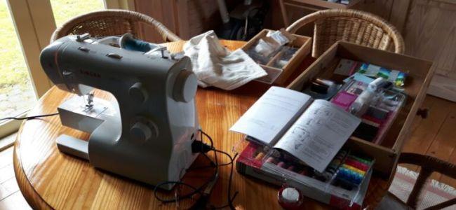 naaimachine,tuinhuis,kou,uitdaging,boekje,gebruiksaanwijzing,naalden