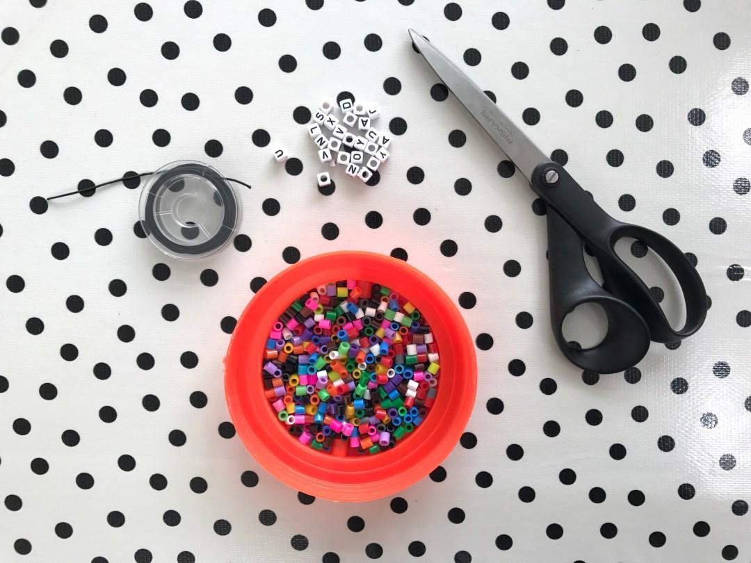 DIY armbandjes maken met strijkparels