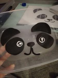 Panda gezicht uit suikerpasta gesneden - LIEVELYNE