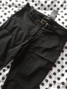 Zwarte pantalon - Black is my happy color - Lipoedeem