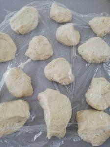 Bagel deeg verdelen in stukken Recept LIEVELYNe